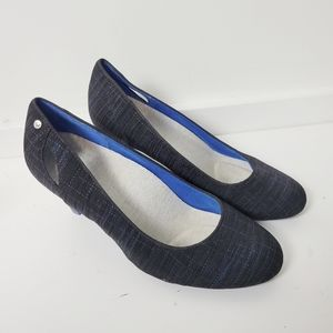 Betabrand On Your Mark Boucle Pump Heels